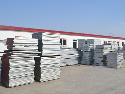 压焊钢格板与插接钢格板的区别