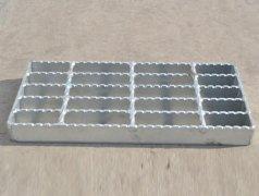 <b>齿形钢格板的优势有哪些</b>